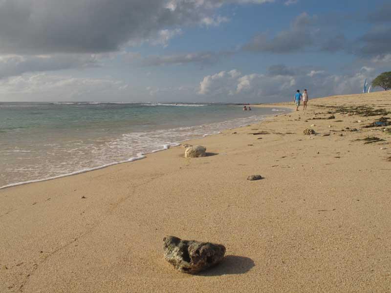 海边漫步.jpg