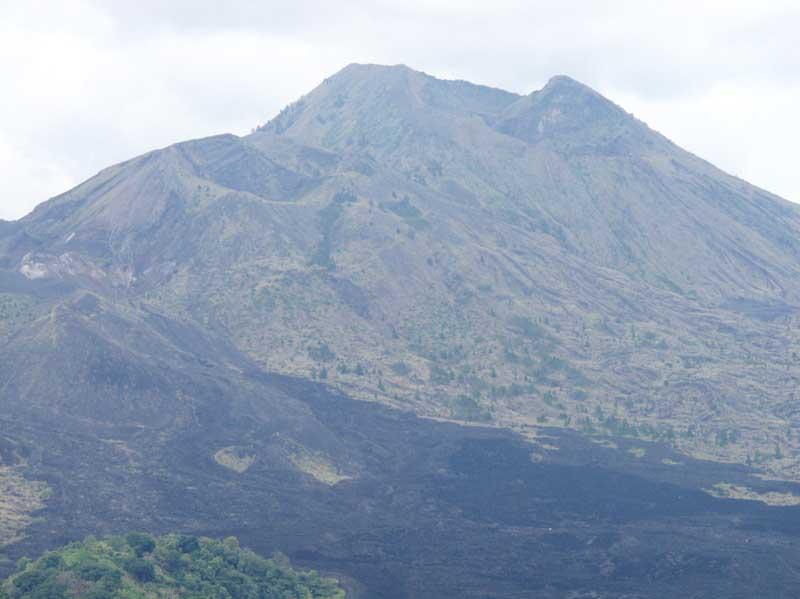 火山近景.jpg