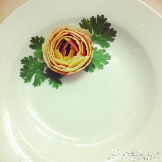 苹果皮卷的玫瑰花.jpg